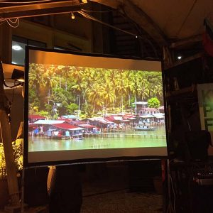 screen-projection-landscape-kampung-air