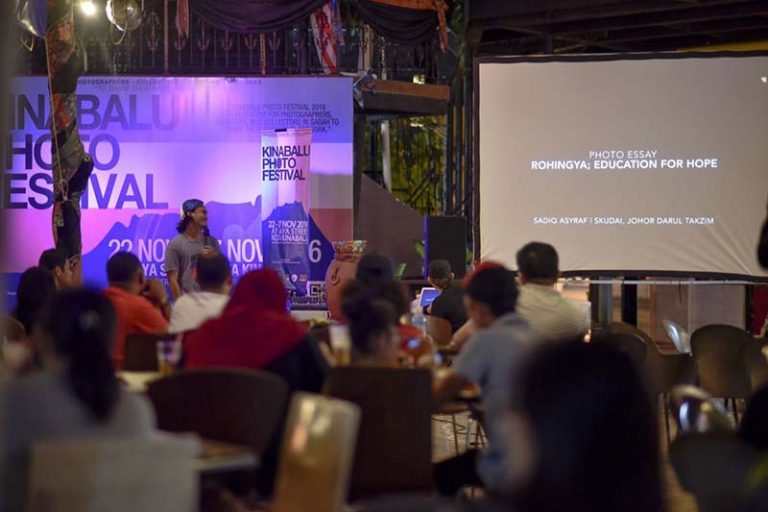 slide-projection-kinabalu-photo-fest2016